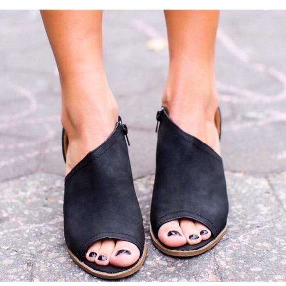 ffe0cc82a38b Black cutout peep toe bootie